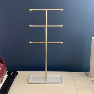 Necklace/ jewelry stand